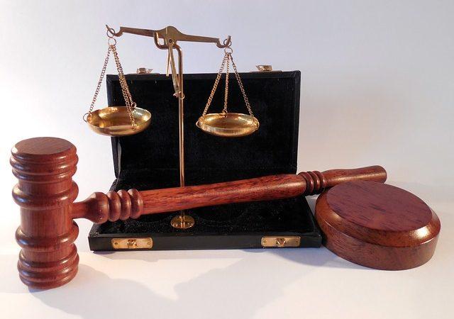 Radcy prawni – pomoc online czy stacjonarnie?