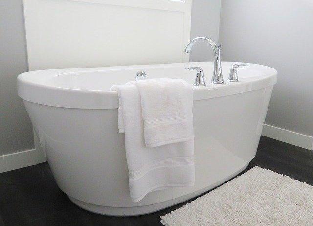 Dodatki do łazienki, które można przygotować we własnym zakresie