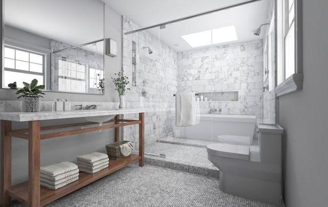 Wanna czy prysznic dla osoby starszej – co wybrać?
