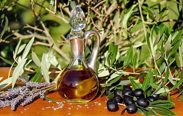 Oleje roślinne w pielęgnacji skóry problematycznej